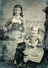 Sisters, Mallie Robertson and Georgia Anne Robertson