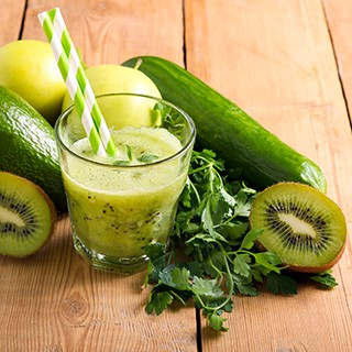 Creamy Cucumber Apple Kiwi Smoothie